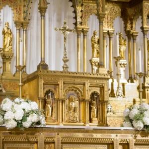 wedding ceremony altar arrangements hydrangea low large round ceremony decor church kim starr wise floral design