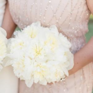 new-orleans-southern-plantation-wedding-floral-arrangements-kim-starr-wise-040117-bridesmaids-bouquet