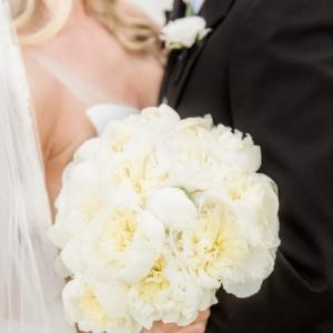 new-orleans-southern-plantation-wedding-floral-arrangements-kim-starr-wise-040117-bridal-bouquet