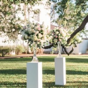 new-orleans-southern-plantation-wedding-floral-arrangements-kim-starr-wise-040117-ceremony-floral-arrangements