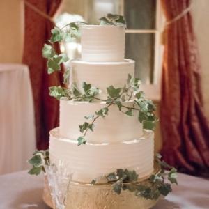 new orleans wedding floral arrangements kim starr wise 020417 latrobes wedding cake foliage decor