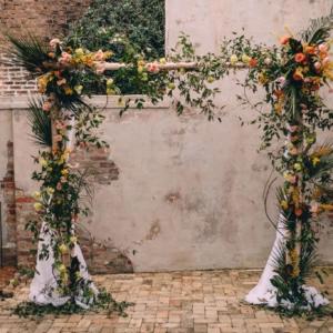 new-orleans-wedding-floral-arrangements-kim-starr-wise-031117-vibrant-wedding-florals-altar-striking-spring-color-palate