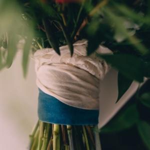 new orleans wedding floral arrangements kim starr wise 061017 bridal bouquet lace wrap