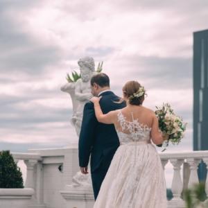 new-orleans-wedding-floral-arrangements-kim-starr-wise-first-look
