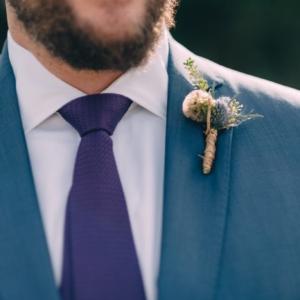 scabiosa-thistle-groom-boutonniere-kim-starr-wise-floral-design