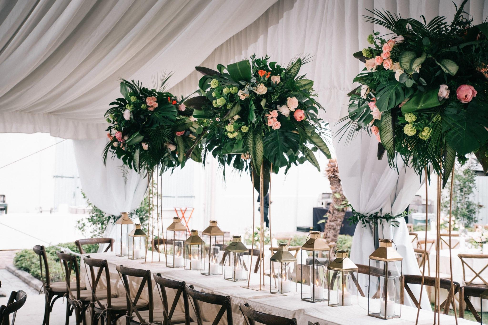 New orleans florist Kim starr wise puts together dramatic summer wedding arrangements