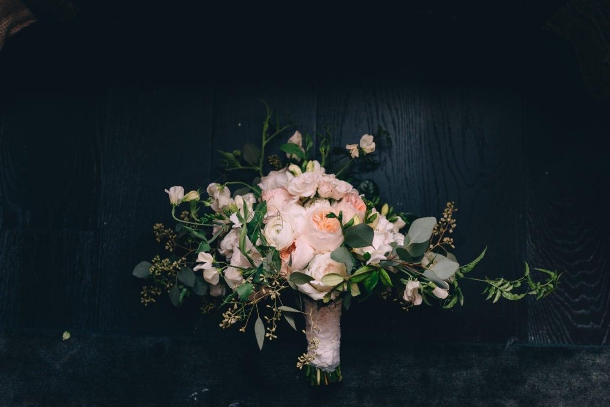 kim-starr-wise-bridal-bouquet-garden-roses-ranunculus-ivory-peachy-pink-blush-spray-roses